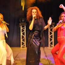 Divas of Pop – Hilton